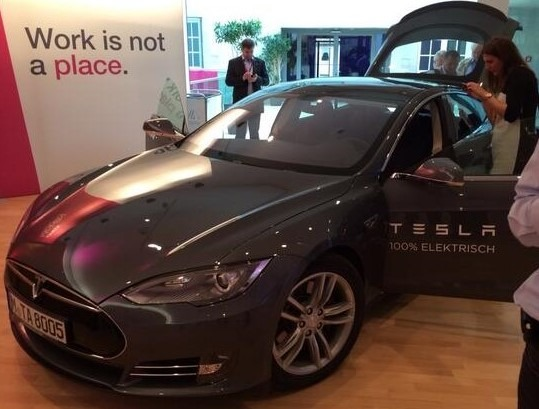 Citrix-Mobility-Tour-Europe-Tesla-runs-Software.jpg